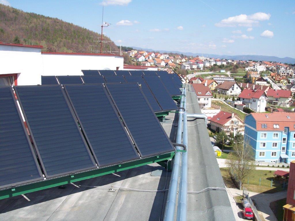 Montáž slnečných kolektorov a veľký solárny systém